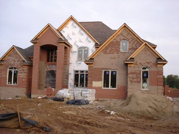 mcmansion_under_construction-1472069834-3035